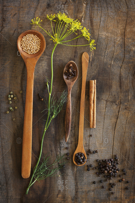 Wooden spoons and fennel