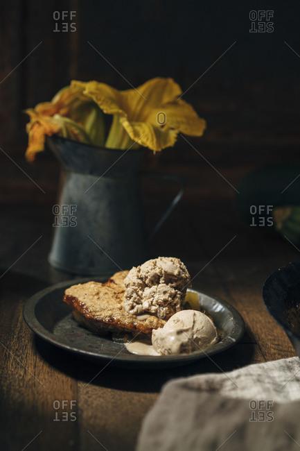 Baked mock apple crisp and cashew ice cream