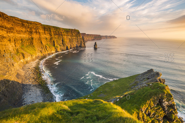 Cliffs of Moher, County Clare, Munster province, Republic of Ireland, Europe. View of the cliffs towards the O'Brien's Tower
