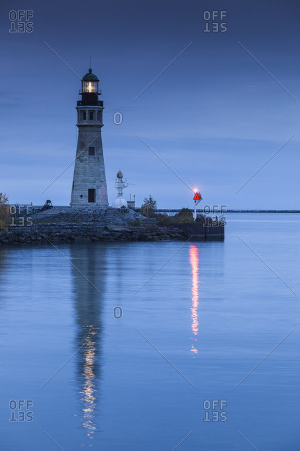 USA, New York, Western New York, Buffalo, Lake Erie Lighthouse, dawn