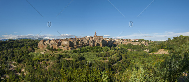 Italy, Tuscany, Pitigliano. View of the town