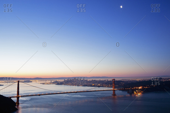USA- California- San Francisco- Golden Gate Bridge at twilight