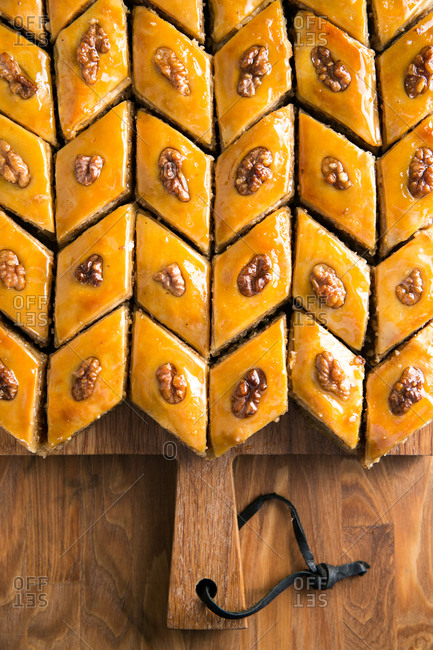 Baklava arranged in a pattern