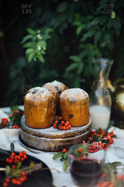 Holiday mini cakes with milk