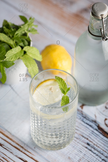 Summer drink with lemon and mint