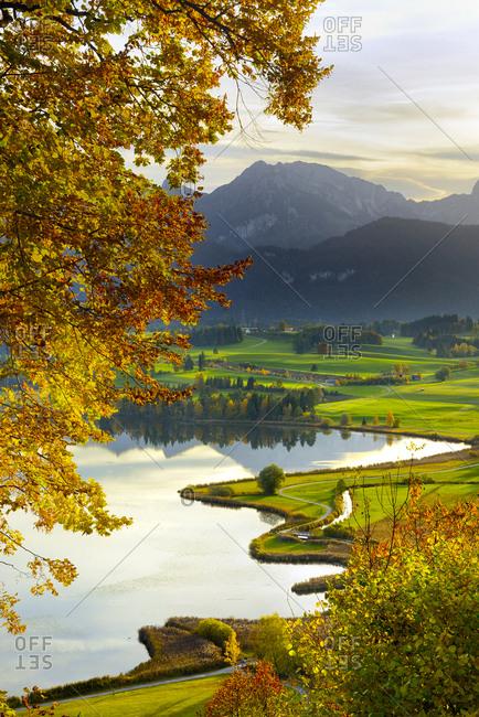Germany, Deutschland, Bavaria, Bayern, Lower Bavaria, Niederbayern, Bavarian Alps, View over Lake Hopfensee in autumn