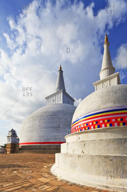Sri Lanka, Ceylon, North Central Province, Anuradhapura, Ruwanweli Saya Dagoba (Golden Sand Stupa)