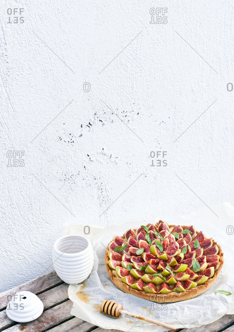Fig tart on an outdoor table