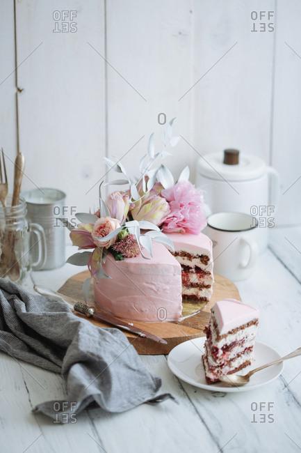 Wedding cake in rustic setting