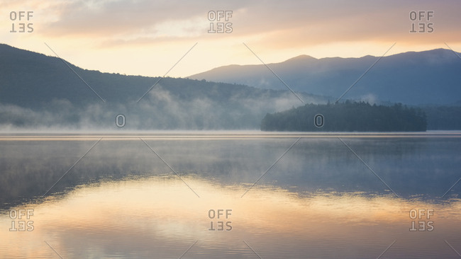 USA, New York, Lake Placid at sunrise