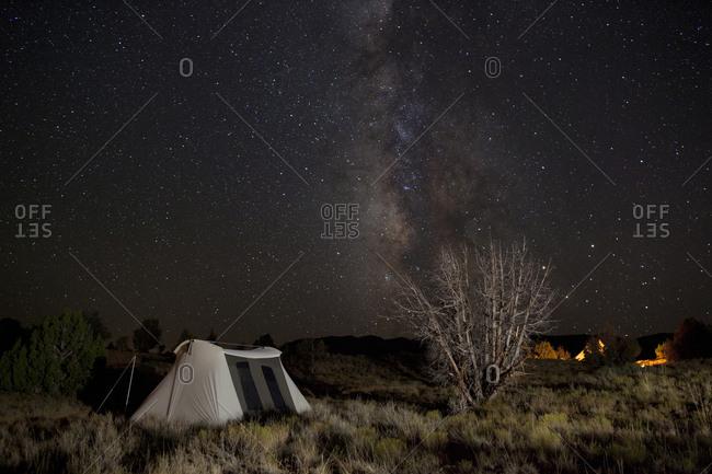 Camp under the stars - Offset