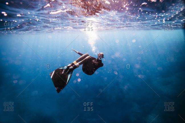 apnea diving stock photos - OFFSET