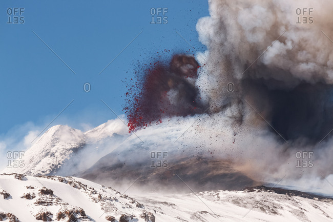 9th paroxysm of 2013 explosive activity (lava bombs), Nicolosi, Sicily, Italy