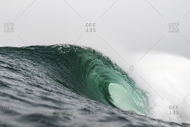 Turquoise wave barrel