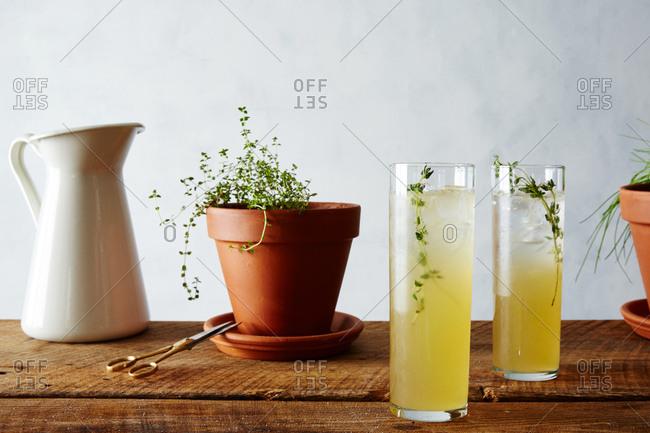 Vanilla thyme lemonade
