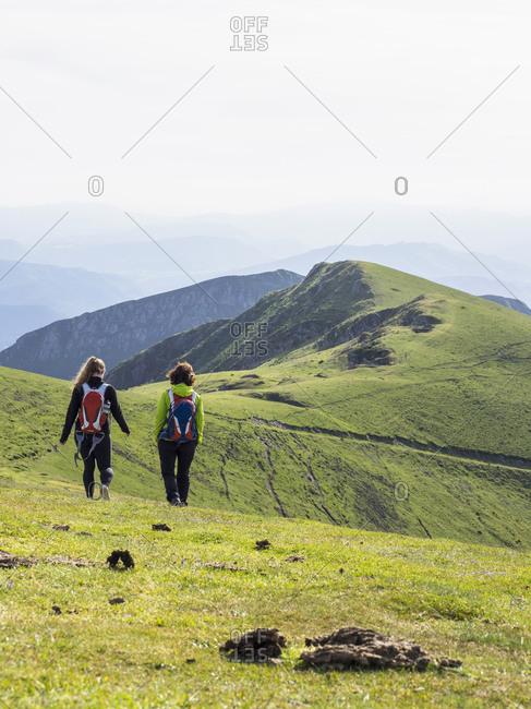 Two women on a hiking tour to Mount Ganekogorta