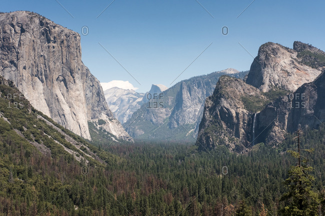 A view of Bridal Veil Falls and Yosemite National Park from Tunnel View