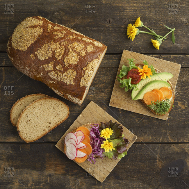 Bread with edible flowers and vegetables