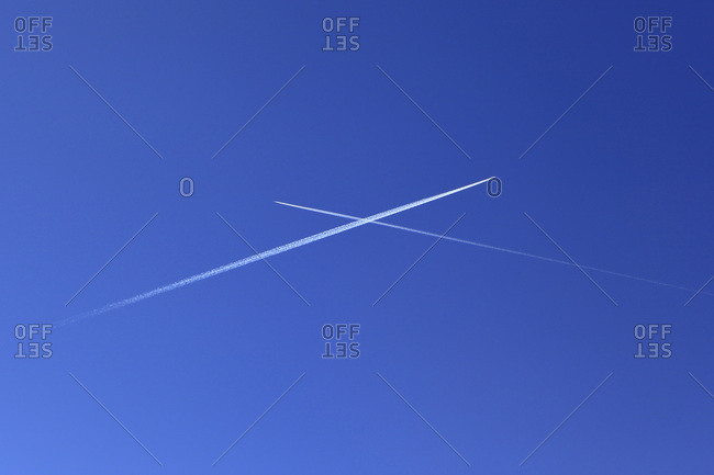 Planes crossing