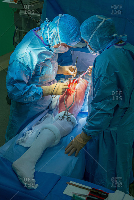 June 9, 2017: Reportage at the Maussins-Nollet Clinic in Paris. Fitting a hip prosthesis in theatre.