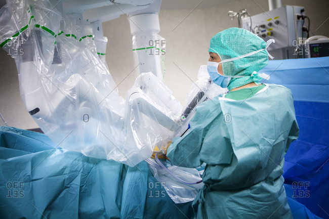 April 7, 2016: Reportage in an operating theatre during a hysterectomy using the da Vinci robot, in France