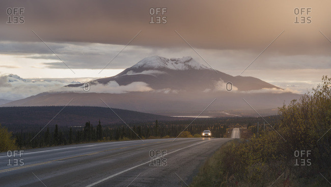 Road trip among Glacier Mountains along Alaska Highway 1, Alaska, United States of America, North America