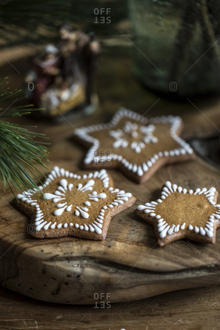 Decorated star-shaped gingerbread cookies