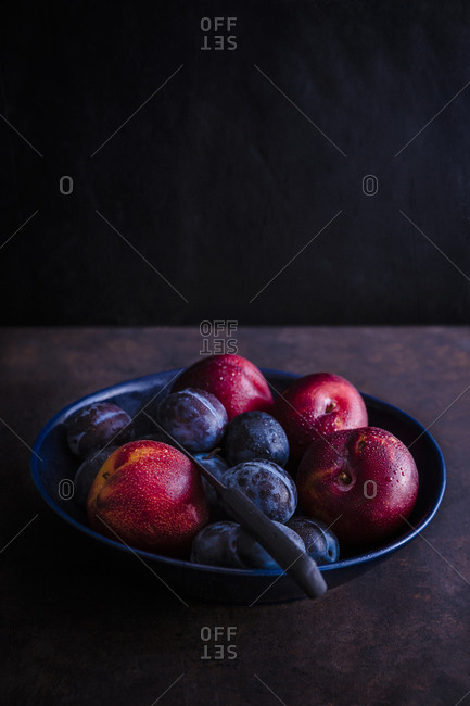 Bowl of stone fruits - Offset
