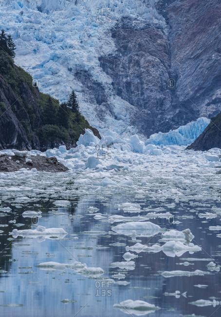 Juneau's Mendenhall Glacier calving