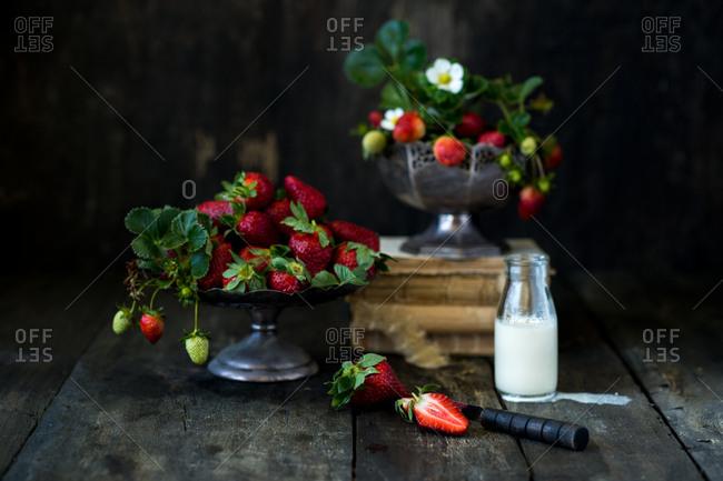 Fresh strawberries and milk