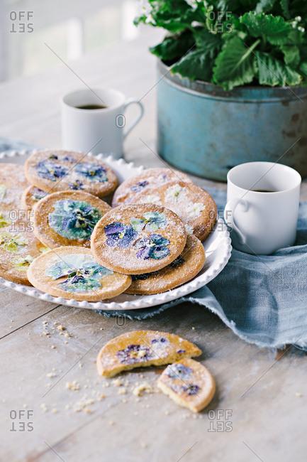 Pansy sugar cookies