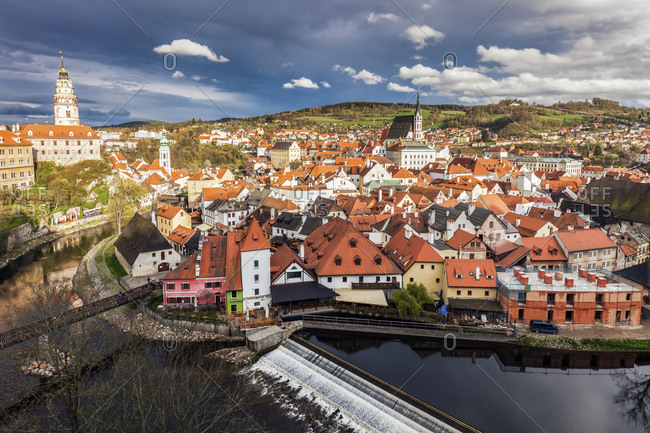 Czech Republic, South Bohemia, Cesky Krumlov, Clouds above town