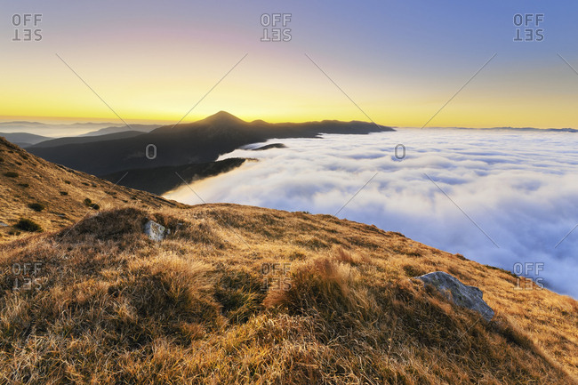 Ukraine, Zakarpattia region, Rakhiv district, Carpathians, Chornohora, mountain Hoverla, mountain Petros, Landscape with mountains and clouds