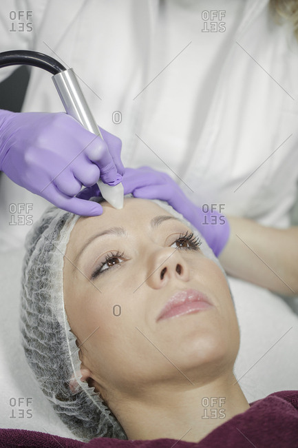 Woman receiving wrinkle treatment