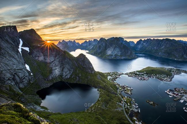View from Reinebringen, Reinebriggen, 442m, midnight sun, towards Hamnoy, Reine and Reinefjord with mountains, Moskenes, Moskenesoy, Lofoten, Norway, Europe
