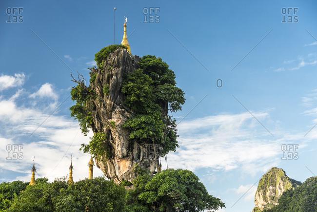 Kyauk Kalap pagoda on a rock, Hpa-an, Kayin or Karen State, Myanmar, Asia
