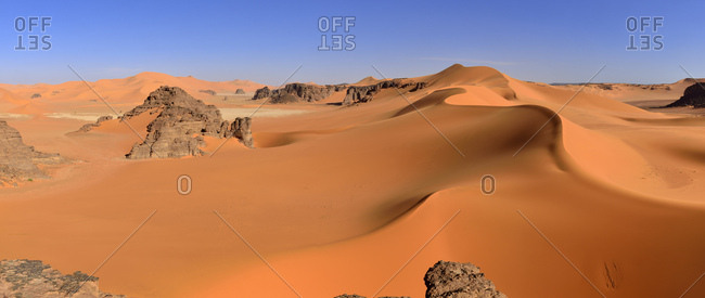 Sand dunes of Ouan Zaouatan, Tassili n'Ajjer National park, UNESCO World Heritage Site, Tadrart, Sahara, Algeria, Africa