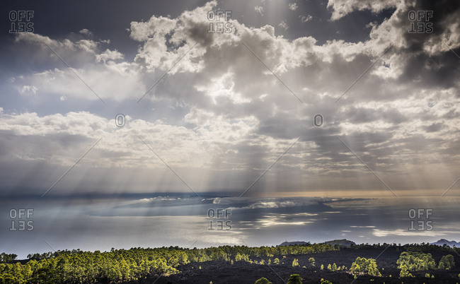 View from Tenerife to the island of La Gomera, sunrays, Tenerife, Canary Islands, Spain, Europe