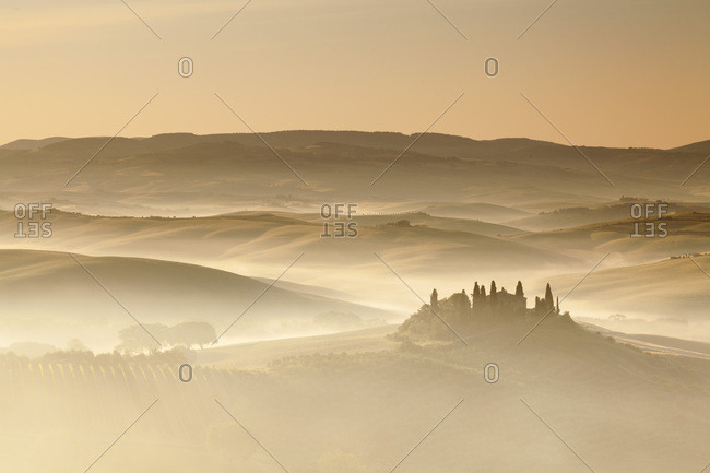 Belvedere Farmhouse at sunrise, San Quirico d'Orcia, Val d'Orcia, UNESCO World Heritage Site, Province of Siena, Tuscany, Italy, Europe