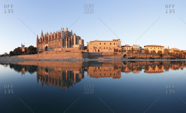 Panorama, Parc de Mar, Almudaina Palace and La Seu Cathedral, Palma de Majorca, Majorca, Balearic Islands, Spain, Europe