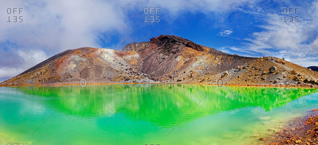 Green sulphurous Emerald Lakes and volcanic Mt Tongariro, Tongariro National Park, Manawatu-Wanganui, North Island, New Zealand, Oceania