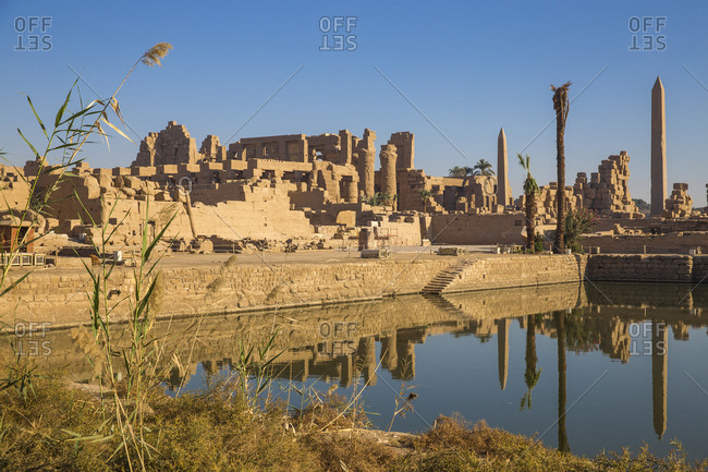 Sacred Lake, Karnak Temple, UNESCO World Heritage Site, near Luxor, Egypt, North Africa, Africa