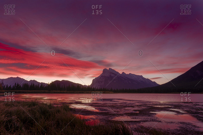 Before sunrise, Vermillion Lake, Banff National Park, UNESCO World Heritage Site, Canadian Rockies, Alberta, Canada, North America