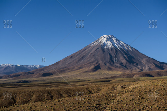 Scenery with snowcapped Licancabur volcano, Atacama Desert, San Pedro de Atacama, Antofagasta Region, Chile