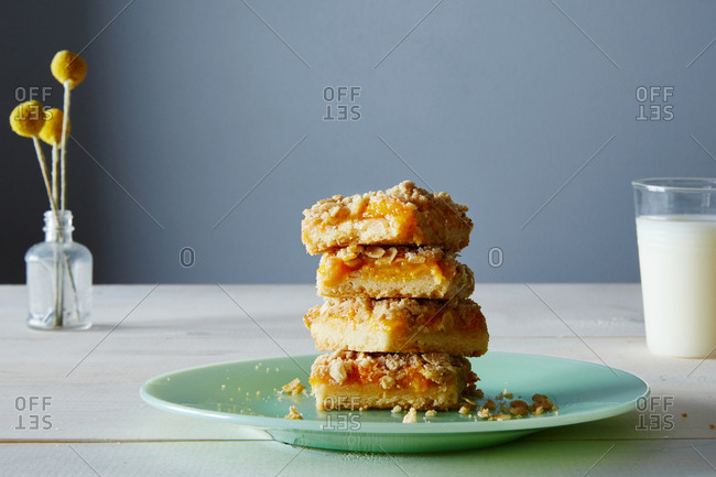Apricot Crumb Bars