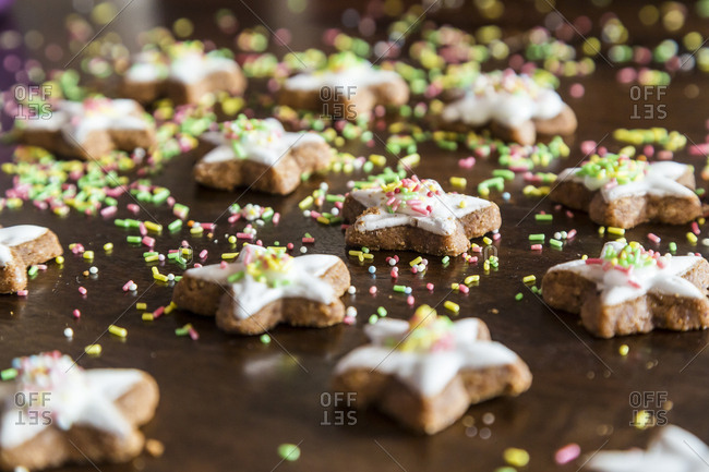 Cinnamon stars with colored sugar granules