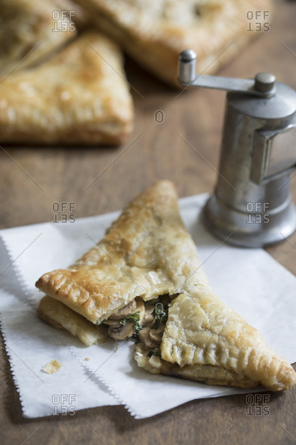 Mushroom spinach turnover with pepper