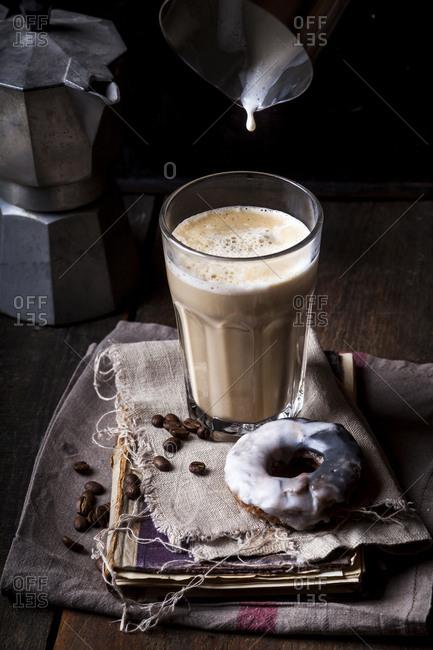 Latte Macchiato with donut
