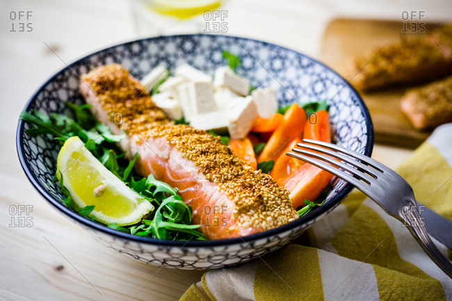 Single serving sesame salmon salad