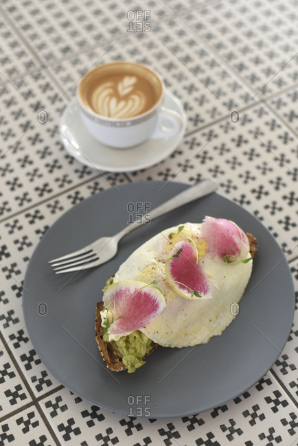 Single serving bistro breakfast and coffee
